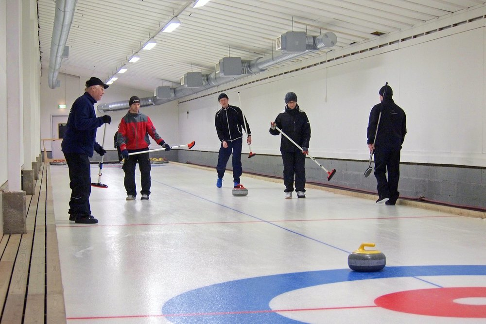 Curling_2.jpeg