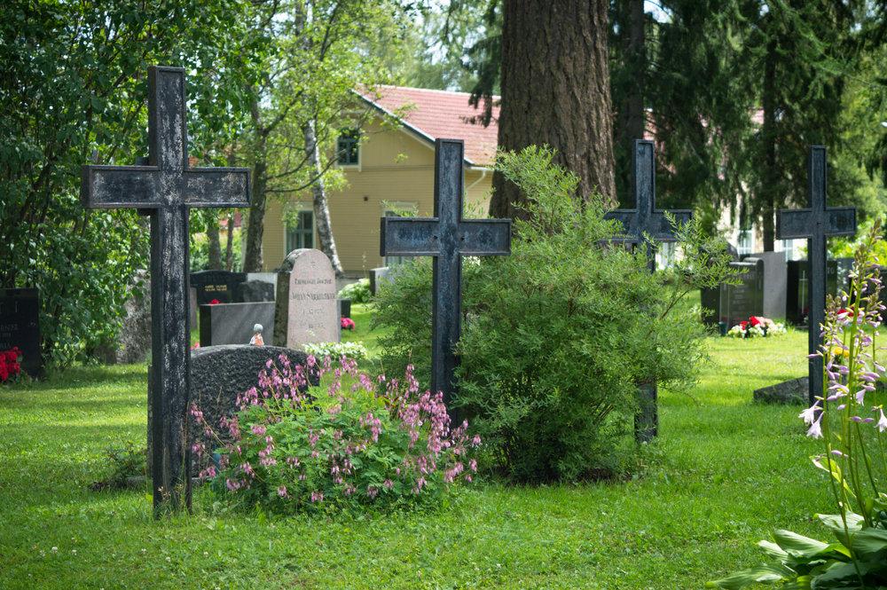 Vanhan_hautausmaan_ristit.jpg