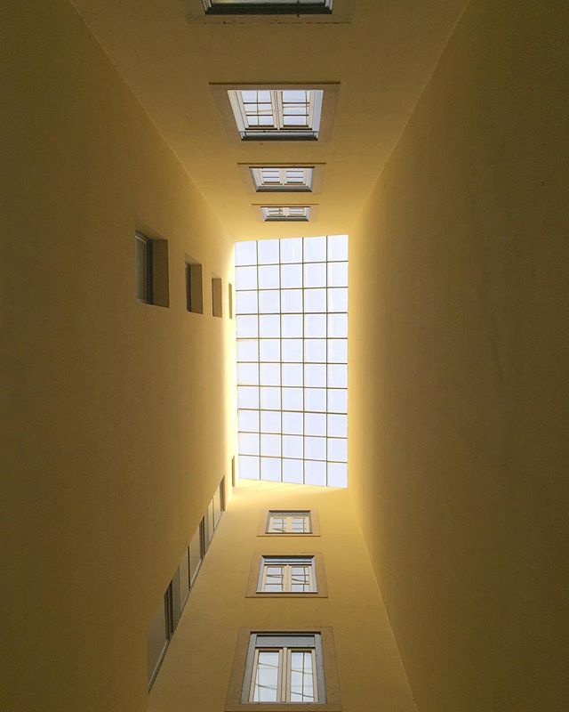#lisbonarchitecture #architecture #lisbon #lisboa #portugal #yellow #shadows #lights #window #architecturephotography