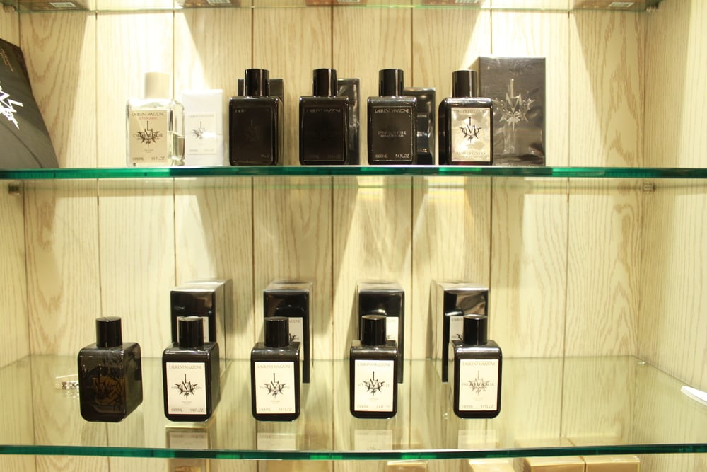 Laurent Mazzone (unisex choice) From clean white shirt to hardcore hard leather scent (Z's choice)