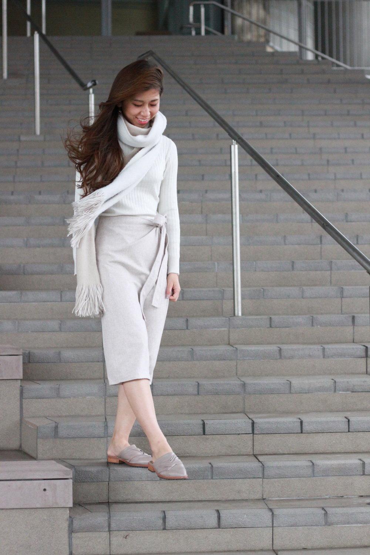 White turtleneck knit from Japan / b+ab salon skirt / Initial nude slides / Zara scarf