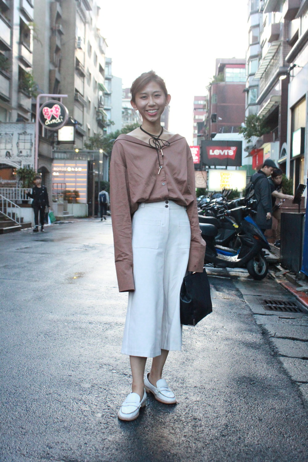 #Nude (Taiwan)  brown shirt /  Giordano Ladies  wide pants / Placebo white loafers