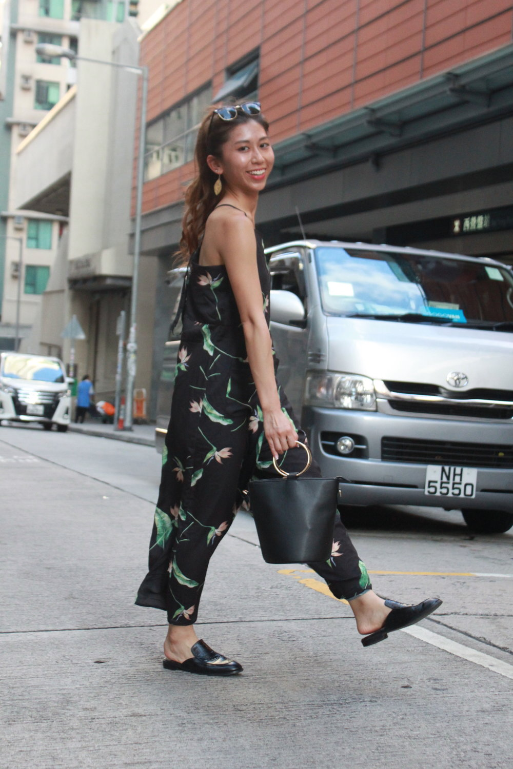 Murua floral jumpsuit  / Bucket bag from Japan / Giordano Ladies black slides