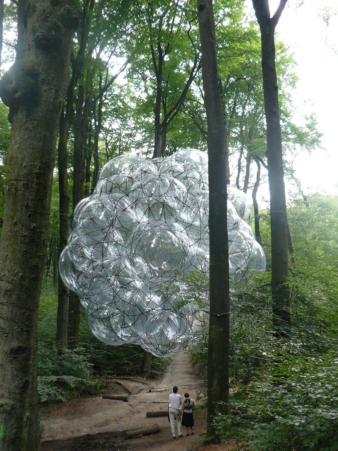 miss-mary-quite-contrary: Tomas Saraceno's Flying Green House (via cloudy1985)