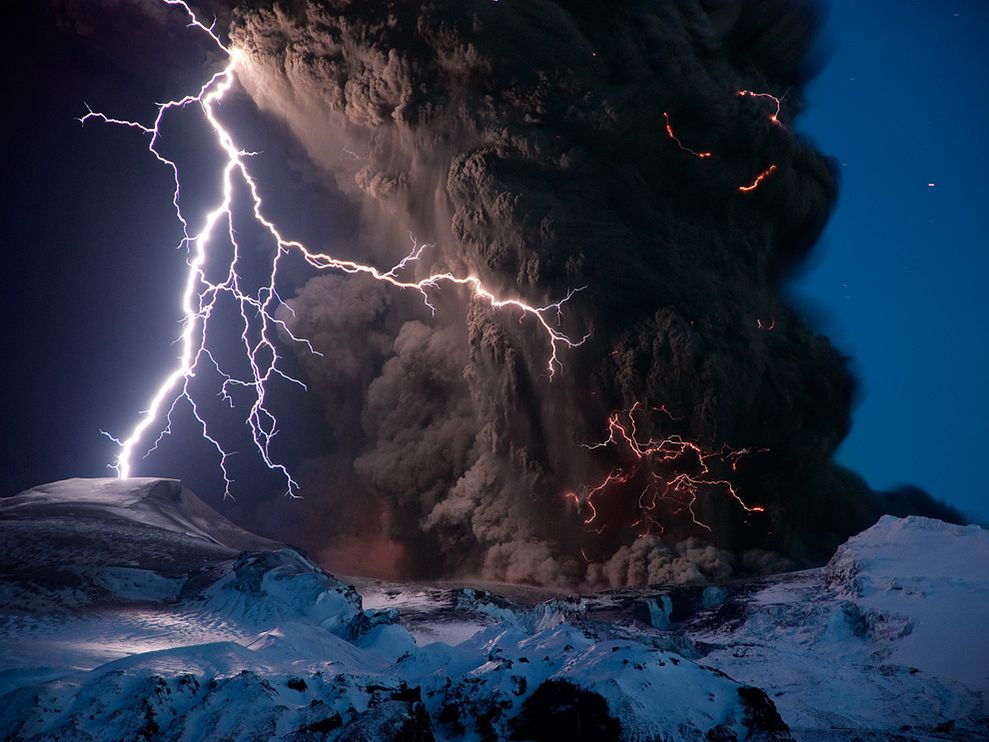 spacemonkeyx :     via  images.nationalgeographic.com    Holy shit, that's amazing!