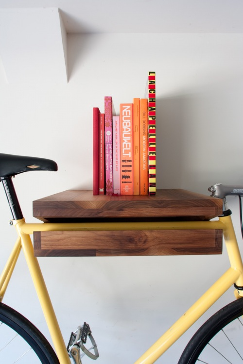 bookshelfporn :     ZOMG!!!!! Bicycle Shelf and Bookshelf (via  Knife and Saw )
