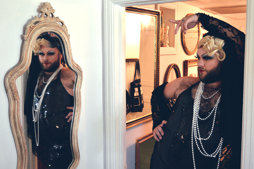 "Bebe Deluxe looks at herself in the mirror and says ""YAASSS! I love when I look up and I see her. Hi Bebe! Bitch you owe me $10!"" 