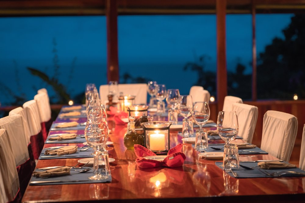 DiningTable.jpg