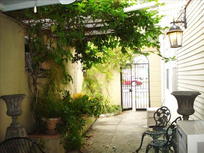 1_courtyard.jpg