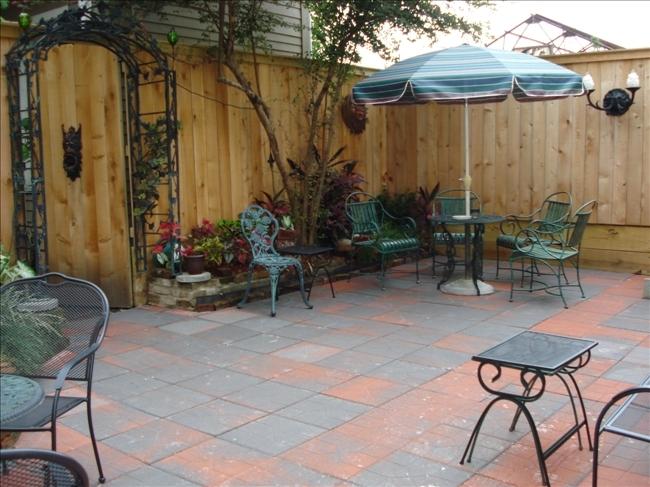 2_courtyard2.jpg