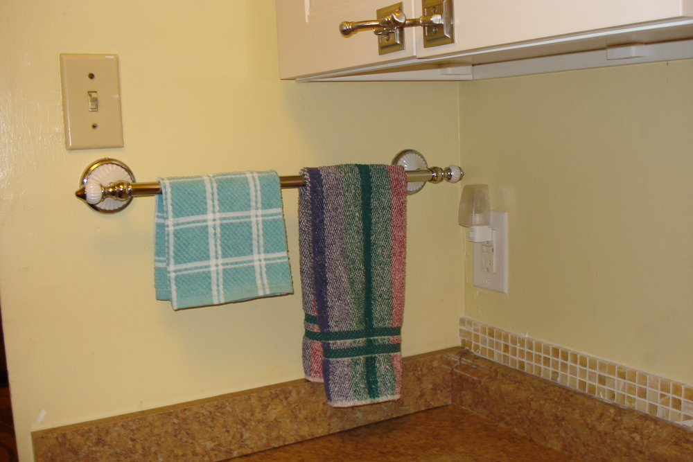 Suite2-Kit_Towels.JPG
