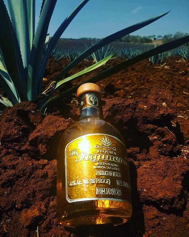 El Fogonero's reposado is aged for 6 months in charred oak whiskey barrels. The result is a smooth, light, and buttery tequila with flavors of oak, honey, vanilla, and spice. #tequila #thebesttequila #reposado #agave #sipdontshoot #elfogonero