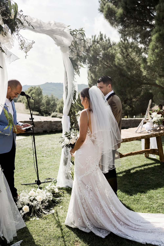 Wedding photography ceremony Spain Barcelona.jpg