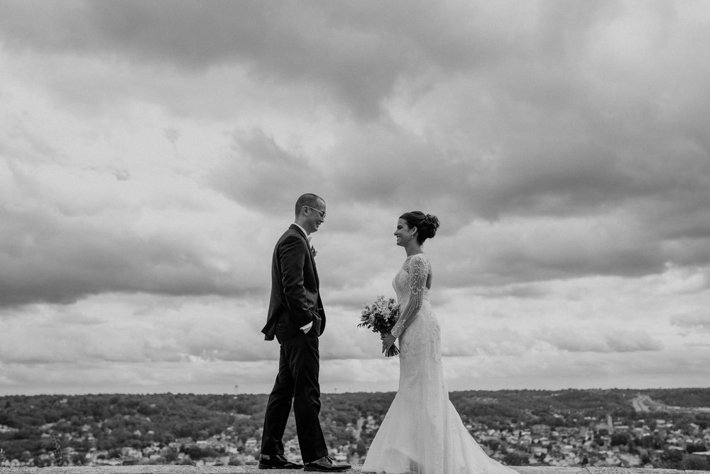Main and Simple Photography_2017_Weddings_Cincinnati_S+B-476.jpg