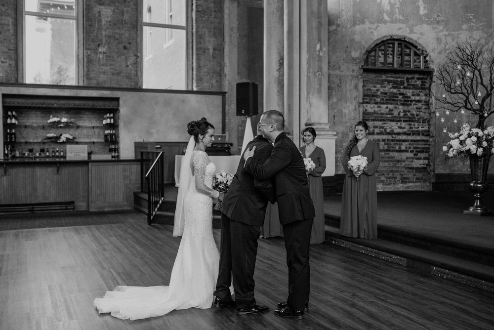Main and Simple Photography_2017_Weddings_Cincinnati_S+B-790.jpg
