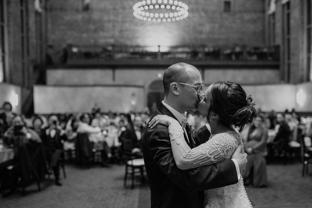 Main and Simple Photography_2017_Weddings_Cincinnati_S+B-1071.jpg