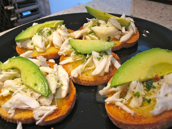 crab-avocado-crostini7