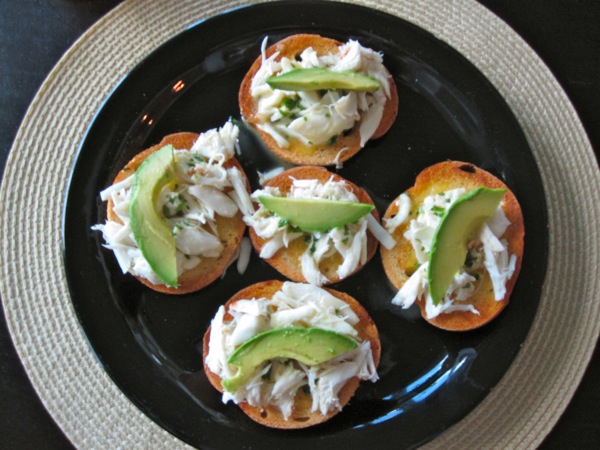 crab-avocado-crostini8