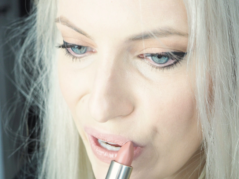 """Then went in with L'Oreal's classic """"Fairest Nude"""" which is a gorgeous wearable nude color. It's the perfect lipstick for any dramatic eye look!"""