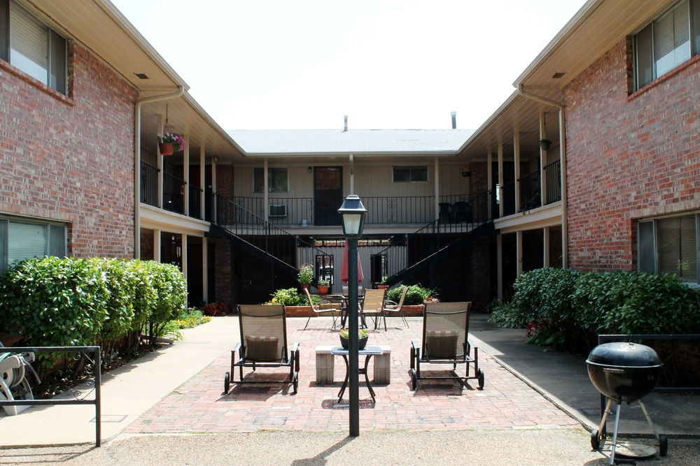 The Orleans Apartments in Midtown Tulsa Near Cherry Street