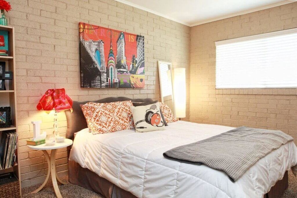 ONE BEDROOMS IN MIDTOWN TULSA - 1 BED / 1 BATH Starting at $525/mo