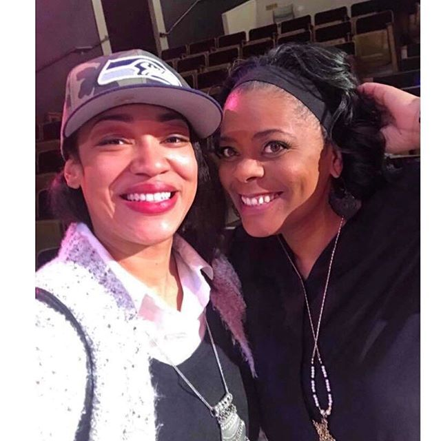 I met #Rosa when she was like 12yrs old. She's an original member of my first #Acting Troupe and gave me the honor of directing her in a dozen+ plays. She's recently written her first book and I could not be more proud. ... ... ... #shoutout to #youthworkers #urbantheater #indiewriter #blackgirlglow #blackgirlsrock #mentoring #theater #artasactivism #legacy #heartandsoul #ECOM