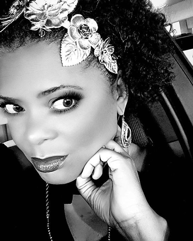 Endings = #NewBeginnings ... ... ... ... #unreal #allthefilters #crown #goldentouch #teamnatural #curls #me #sheherme #1920's #vibe #renaissance #harlemrennaissance #mood #mysterious