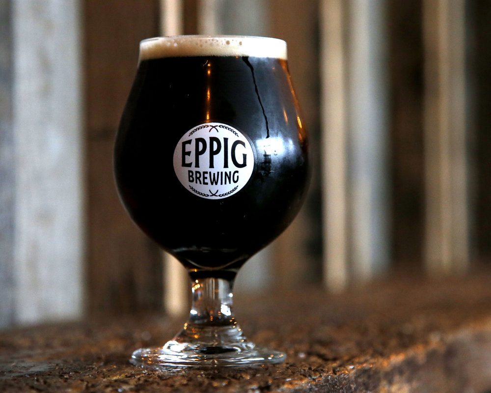 MOMENT OF WEAKNESS AMERICAN DARK SOUR ABV 7.0%  IBU 7 Dark brown with a deep ruby hue. Complex notes of chocolate and dark fruit in the aroma and flavor with a clean and pleasant tartness in the finish.