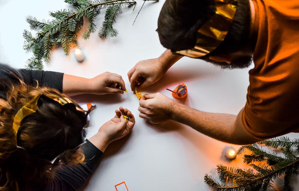 Wendling_Boyd_Paper_Source_Holiday_Christmas_Crackers.jpg