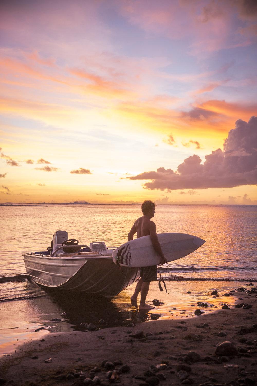 01_01_TashaVanZandt_TAQ_Tahiti_BH6A3242_3.jpg