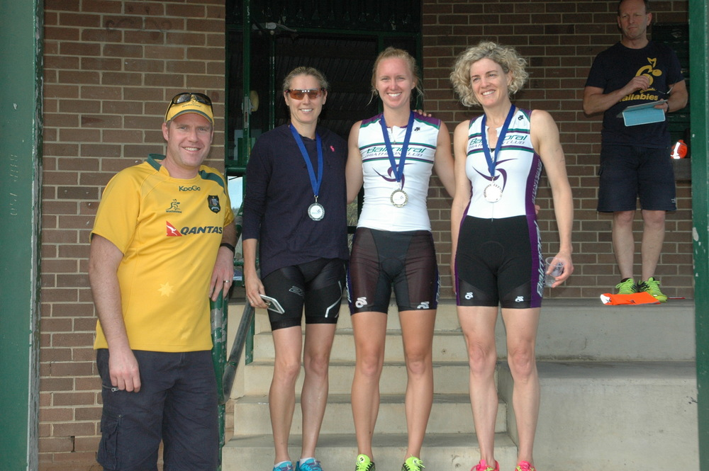 Sharna Hinchliff (2nd), Lauren Bourke (1st) and Pip Livingstone (3rd) with club supporter Johnno from The Home Loan Guy.