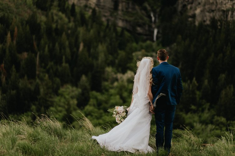 Kaylie&Koy - Summertime bridals up Provo canyon