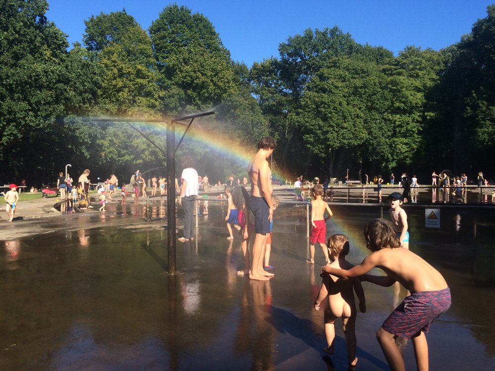 now you can see the rainbow! Everybody was having fun. I had an icecream. Mine was chocolate and Hugo's was strawberry.