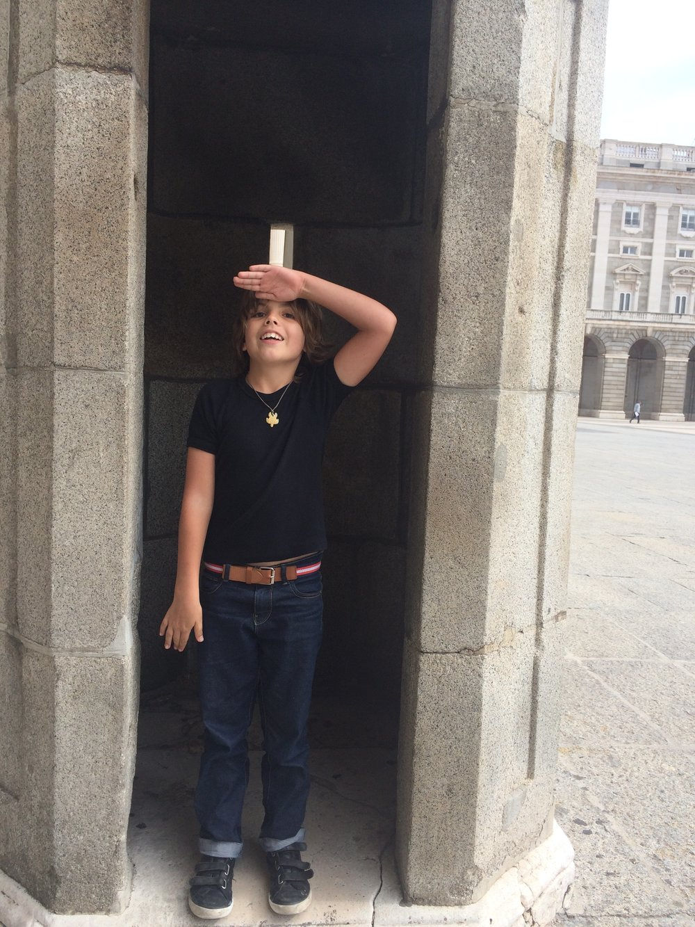 we went to this museum called the armour museum and i found these soldiers houses where they stand, turn around and salute. So I stood in one, and Hugo in the other and we marched and saluted like soldiers.