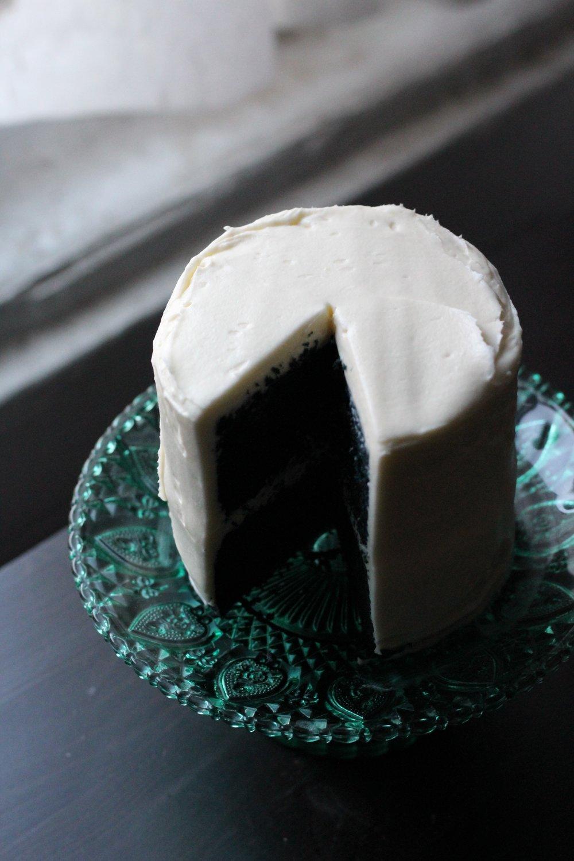 blue-velvet-cake.jpg