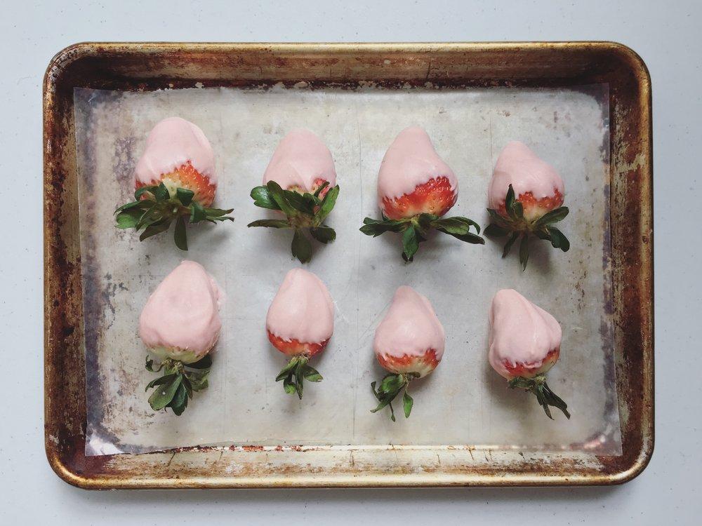white-chocolate-covered-strawberries.jpg