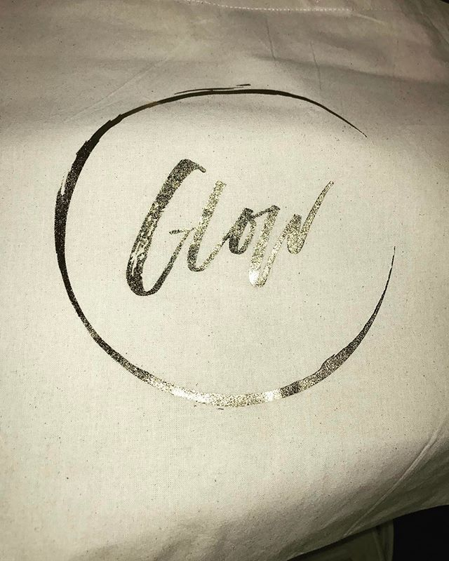 Check out my brand new tote...thx @glowofficial_ for the love... #tote #gifts #livelife #network #entrepreneur #entrepreneurship #tribe #loyal #igers #igdaily #igblogger #instablog #blog #blogger #lyfeshowsup #writer #like #share #follow