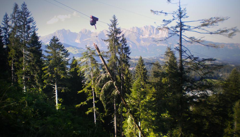 TST 3500 Laufwagen im Einsatz vor idyllischem Tiroler Bergpanorama