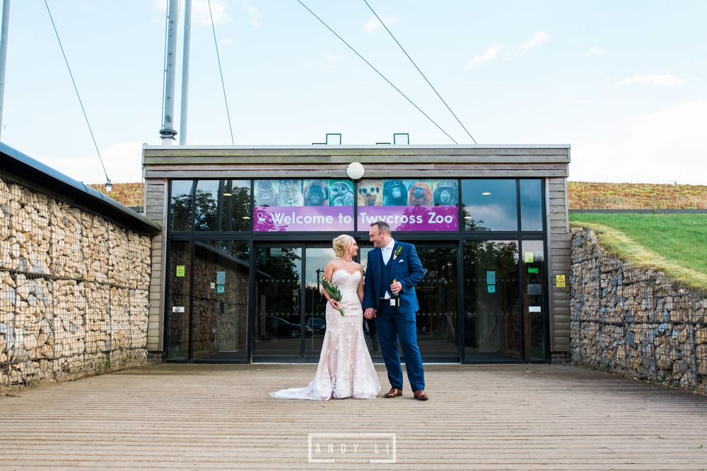 Twycross Zoo Wedding Photographer-GP2A7512.jpg