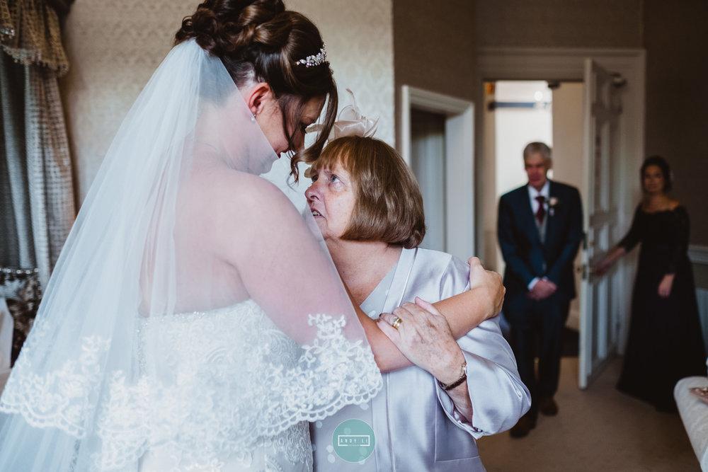 Clearwell Castle Wedding Photographer-031-AXT20084.jpg
