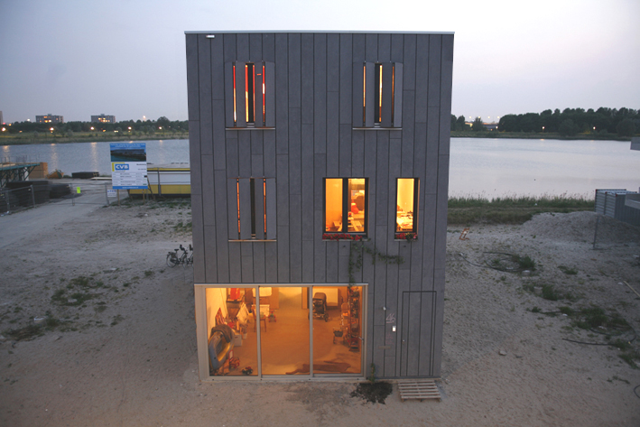 Beach house in Amsterdam IJburg.  180 m2.  Completed in november 2008.