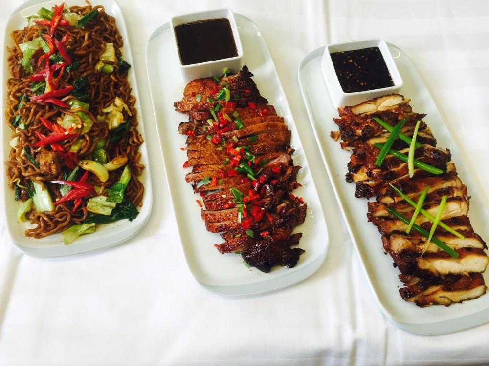Gembira Speciaal,  Peking Eend en Ayam Panggang