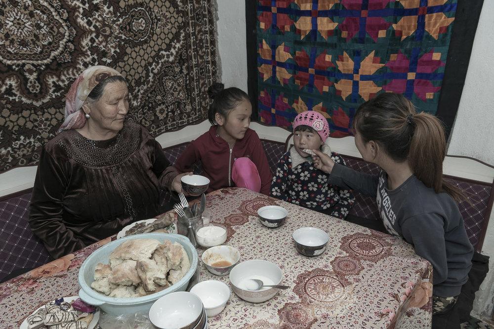 Balykchy-Kyrgyzstan-migrant-workers-grandparent-carers-children-jo-kearney-photography-video.jpg