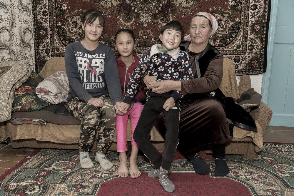 kyrgyzstan-Balykchy-Soviet-home-grandparent-carers-migrant-workers-jo-kearney-photography-video.jpg