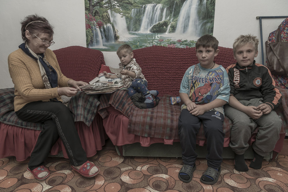 kyrgyzstan-Balykchy-grandparent-carers-migrant-workers-Kyrgzstan-jo-kearney-photography-video.jpg
