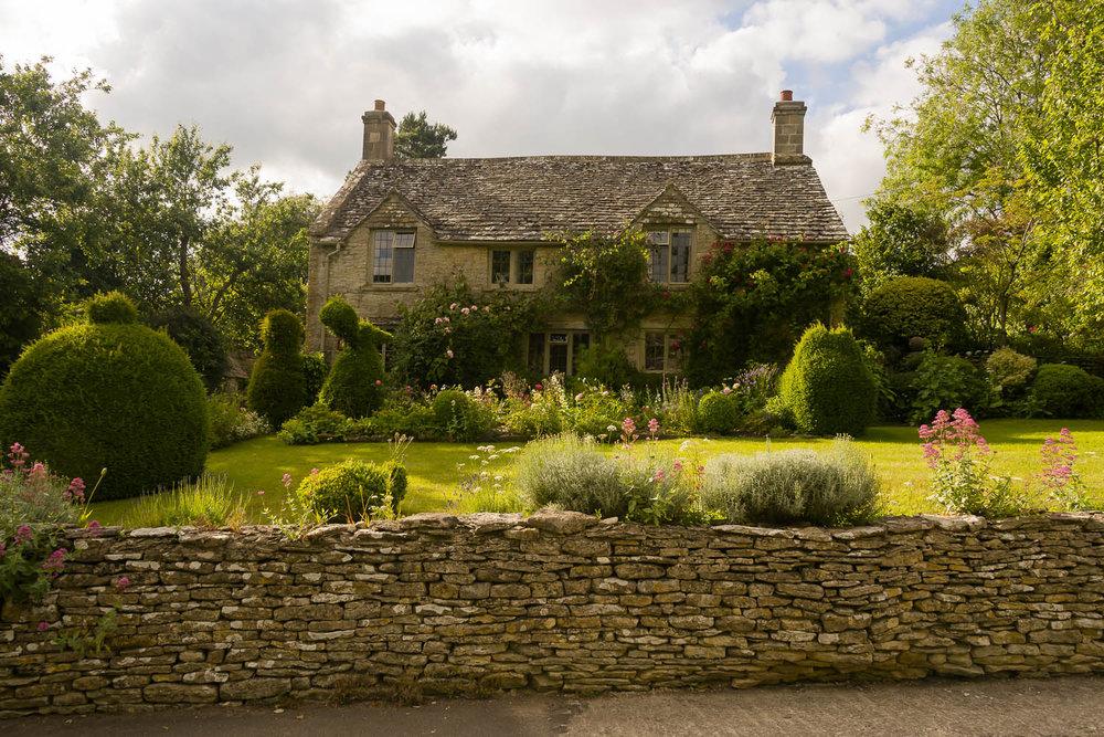 summer-garden-Cotswolds-Notgrove-Gloucestershire-Jo-Kearney-photos-landscape-photography-video-landscapes.jpg