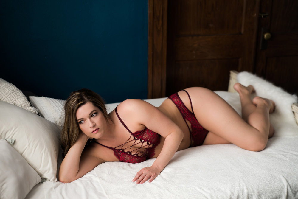What to Wear at Your Boudoir Session by Sarah Hooker Photography: Bra and Panty Set