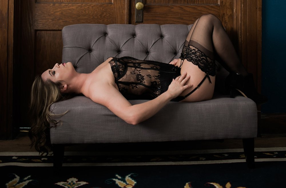 What to Wear at Your Boudoir Session by Sarah Hooker Photography
