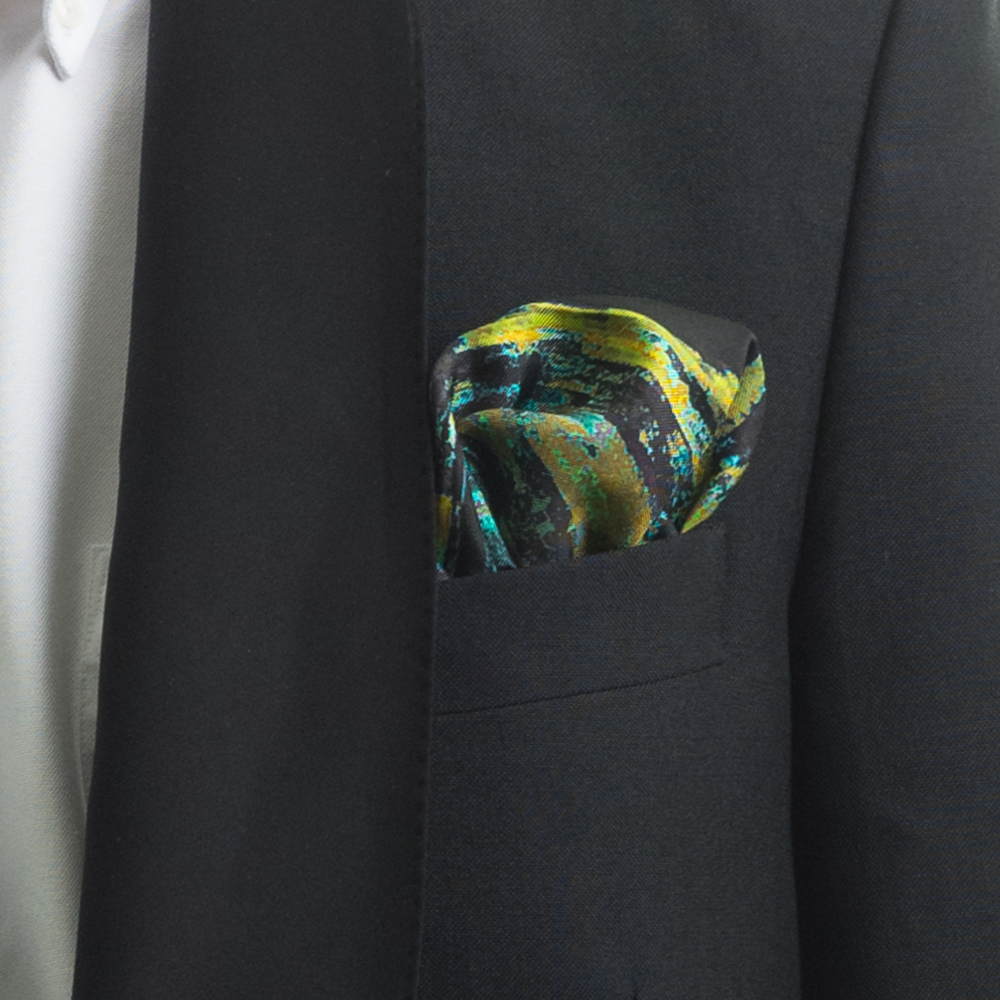 'RIVER THROUGH A CURTAIN V' SILK TWILL POCKET SQUARE, DETAIL