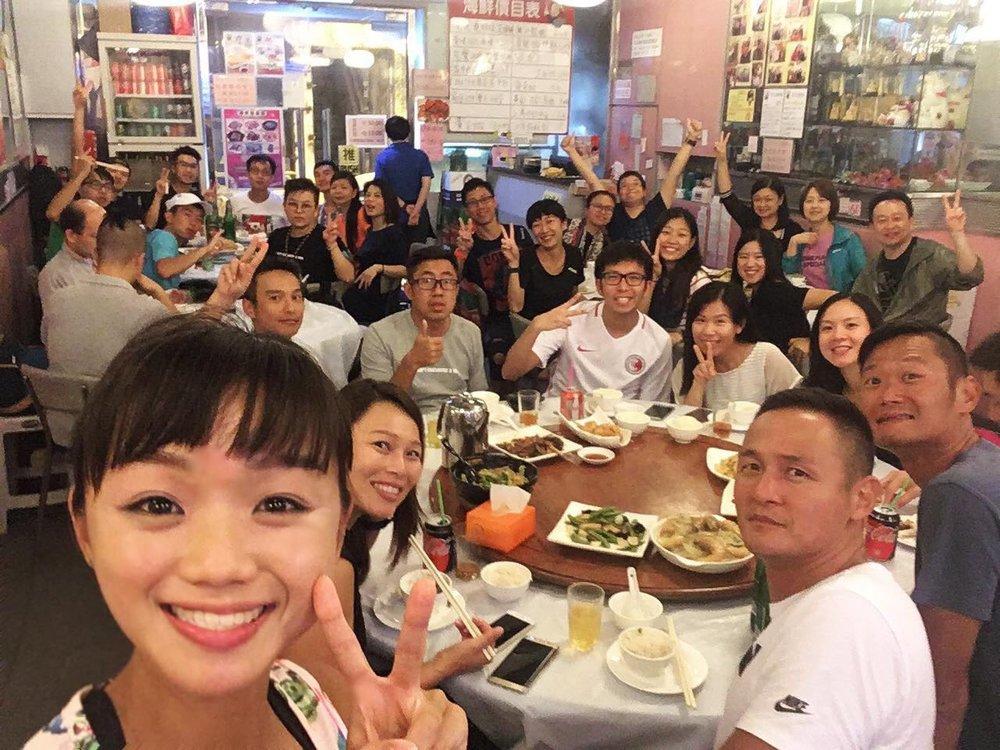 香港仔班飯聚 - 香港仔班比較少有飯局,不多不少受限於運動場與食肆相距甚遠。不過難得係第三期最後一堂,大家課後都走到舊大街共進晚餐。
